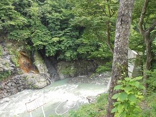 吾妻川の流れ