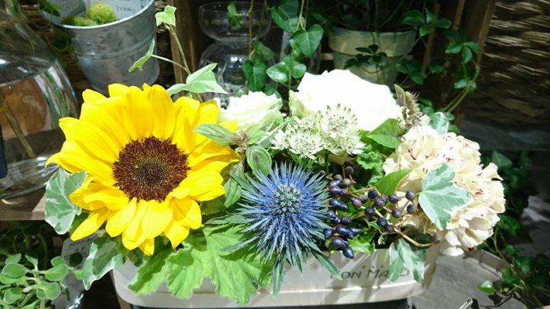 シャポー船橋1階にあるお花屋さん「フルーリストボンマルシェ」