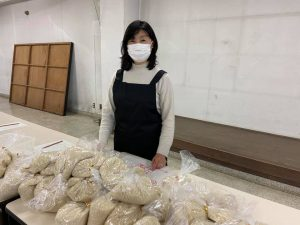 県立市川工業高校での米配布会